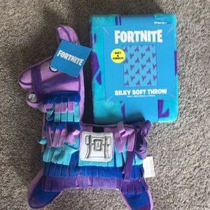 Fortnite throw and pillow nwt